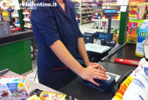 CRONACA_cassiera-supermercato