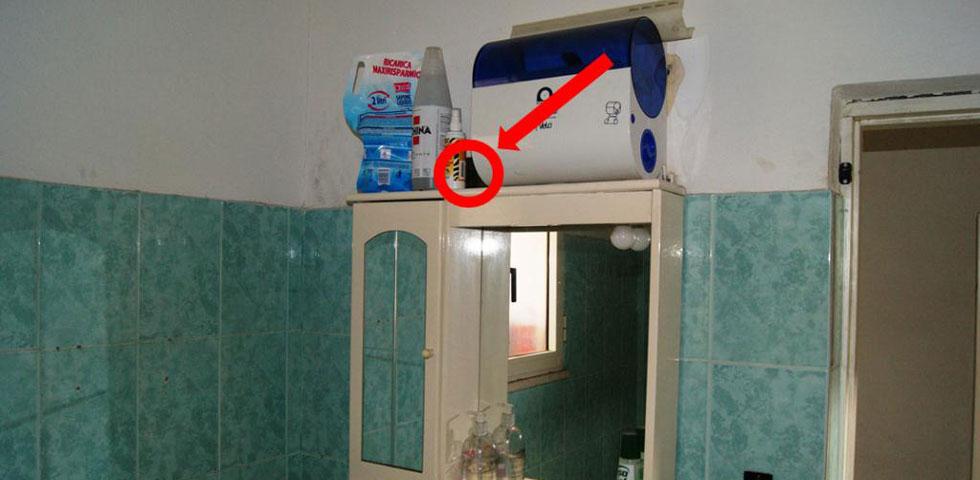 Telecamere nel bagno una perizia sui video girati di - Ripresa di nascosto in bagno ...