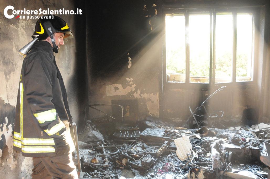Incendio in casa, donna carbonizzata a Sanarica