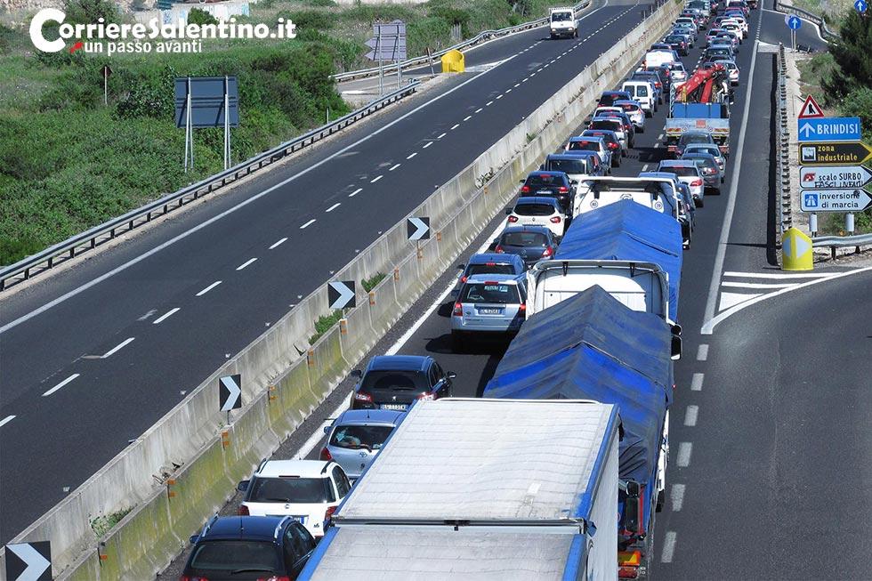 Ferragosto da bollino nero, traffico rovente sulle autostrade