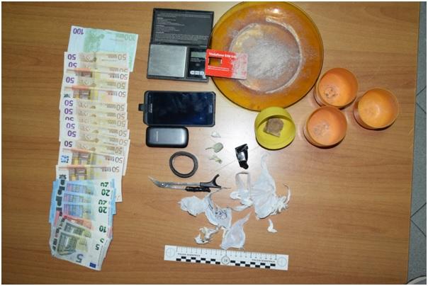 Fermati per un controllo in piazzale Rudiae, scoperti con cocaina ed eroina