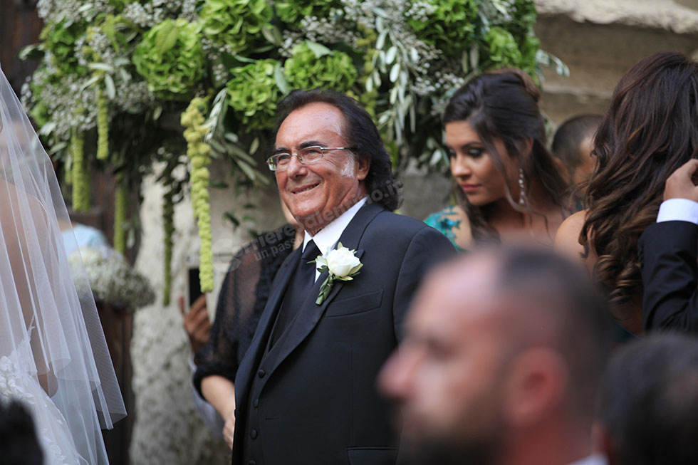 Auguri Matrimonio Non Presenti : Cristel carrisi e davor luksic oggi sposi a lecce ecco le
