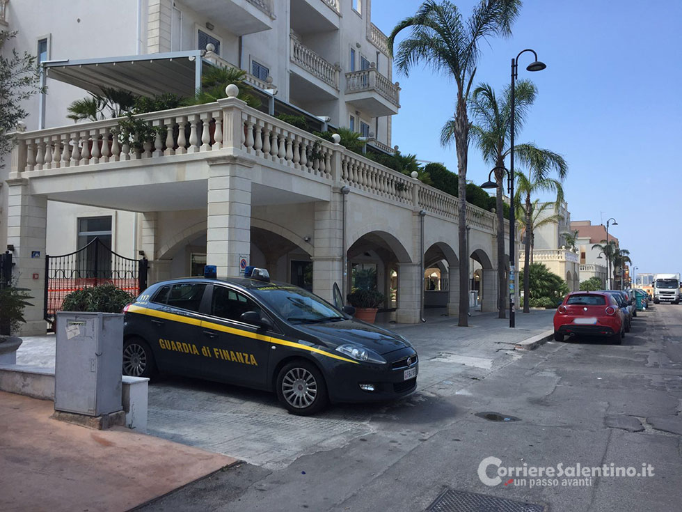 Abusivi nel residence di lusso: scatta il sequestro