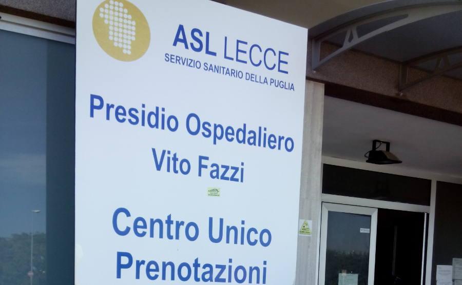 Lecce, tromba d'aria sull'ospedale crolla controsoffitto a Oncologia, tre feriti