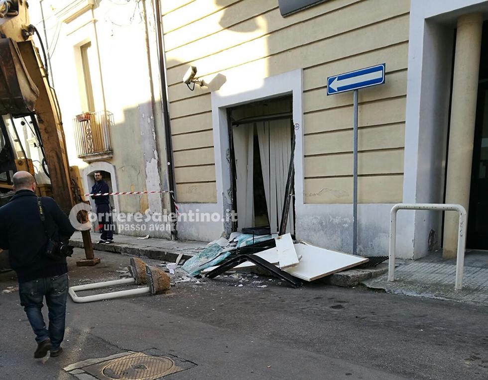 Furto bancomat corriere salentino for Leccearredo