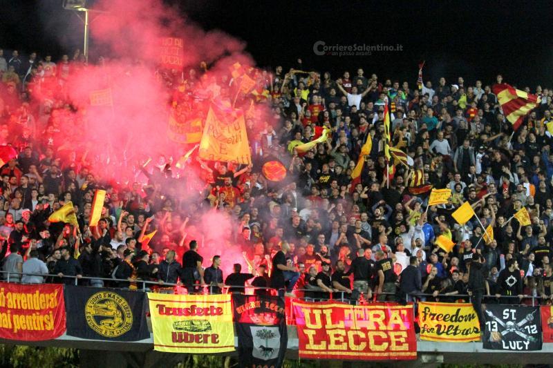 LECCE- Sorpasso al Catania, vittoria sulla J.Stabia