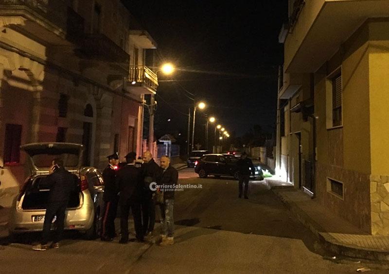 Lecce, gambizzato in strada commerciante. I suoi negozi danneggiati già due volte